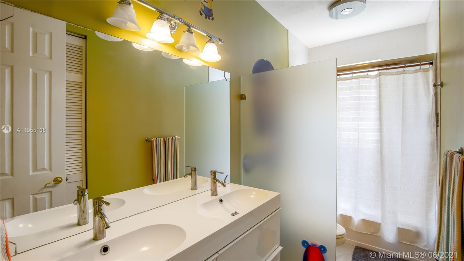 8842 N Southern Orchard Rd N photo042