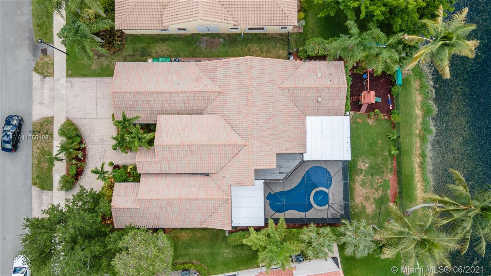 8842 N Southern Orchard Rd N photo049