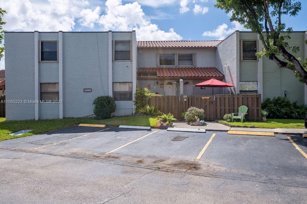 Las Ramblas #203-16 - 10303 NW 9th Street Cir #203-16, Miami, FL 33172