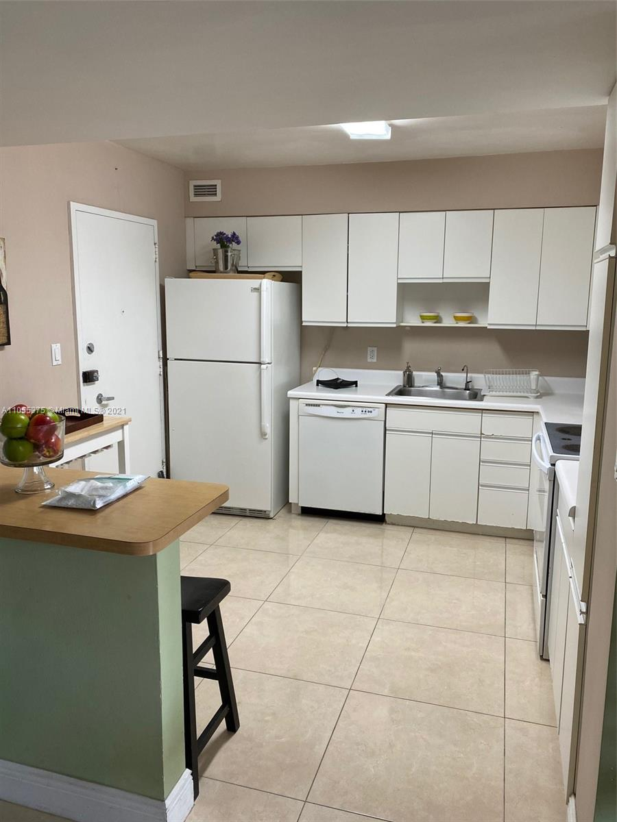 5161 Collins Ave #1510 photo03