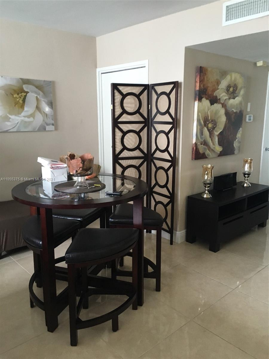 5161 Collins Ave #1510 photo05