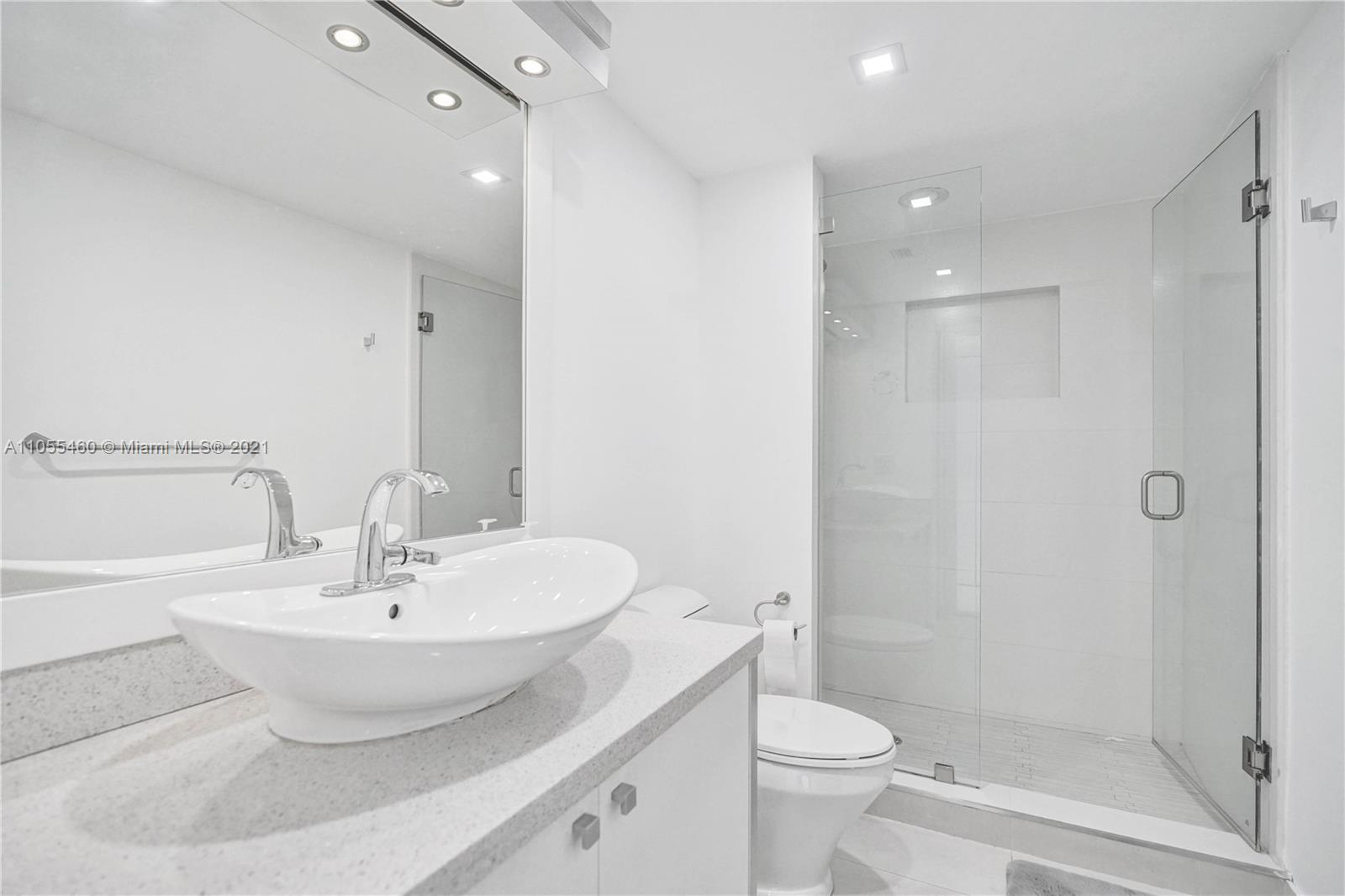 16400 Collins Ave #2041 photo046