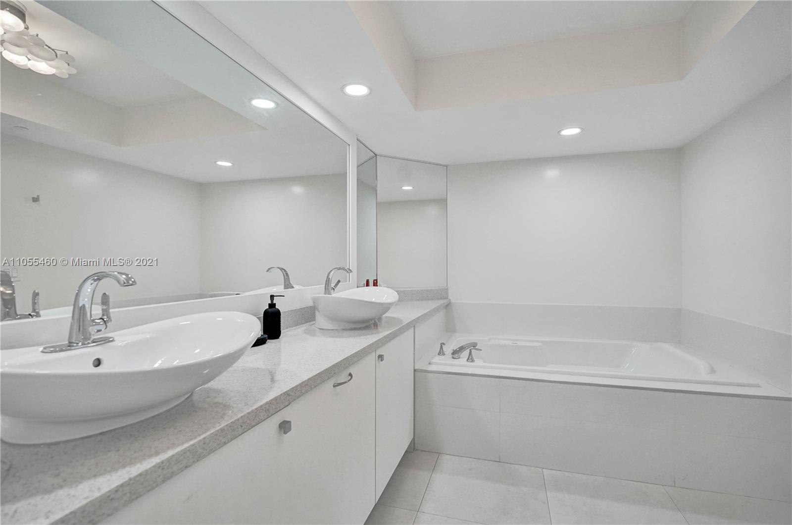 16400 Collins Ave #2041 photo034
