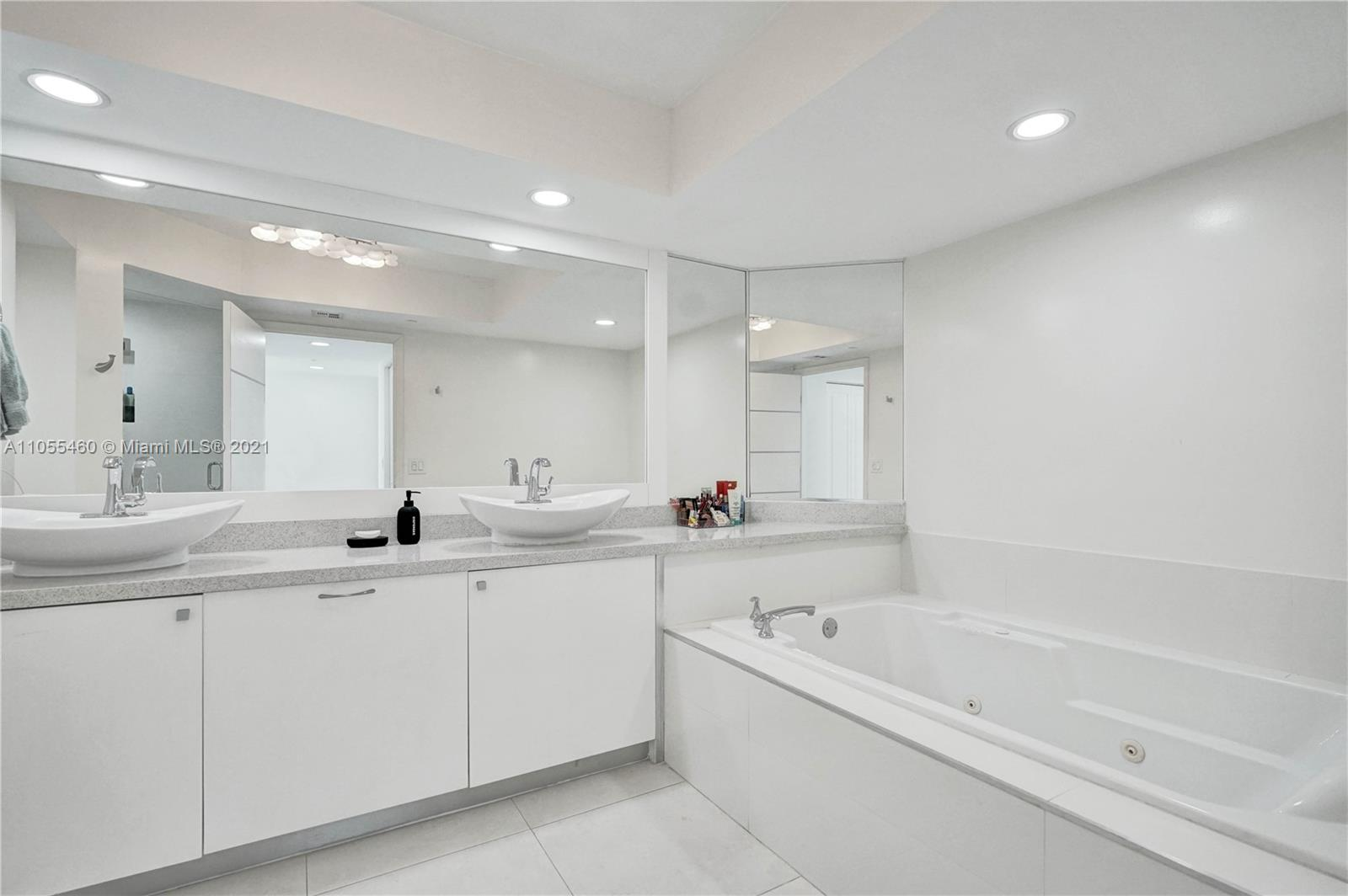 16400 Collins Ave #2041 photo033