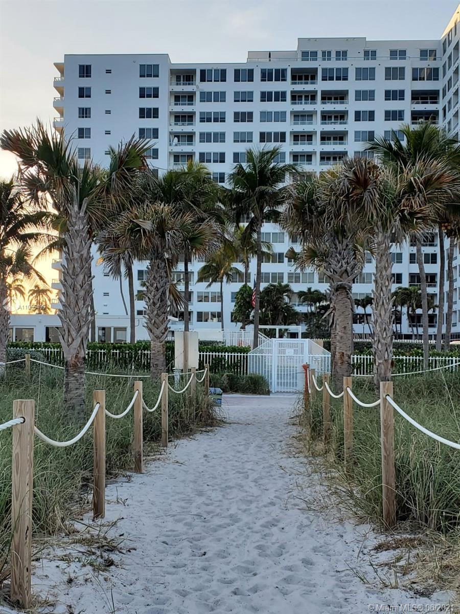 Carriage Club North Tower #924 - 5005 Collins Ave #924, Miami Beach, FL 33140