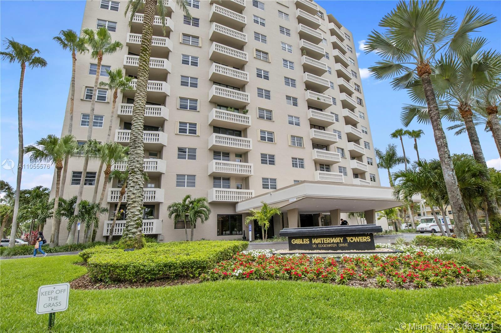 Gables Waterway #818 - 90 Edgewater Dr #818, Coral Gables, FL 33133