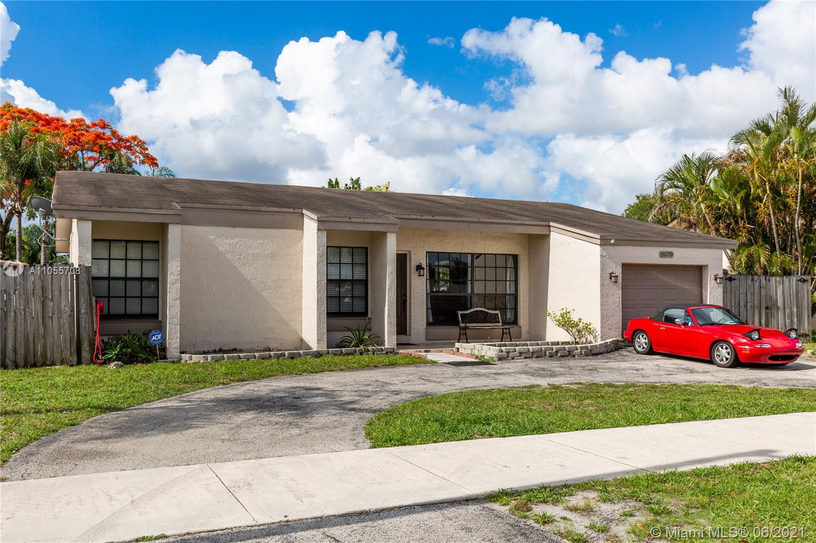 Boulevard Heights - 8570 Johnson St, Pembroke Pines, FL 33024