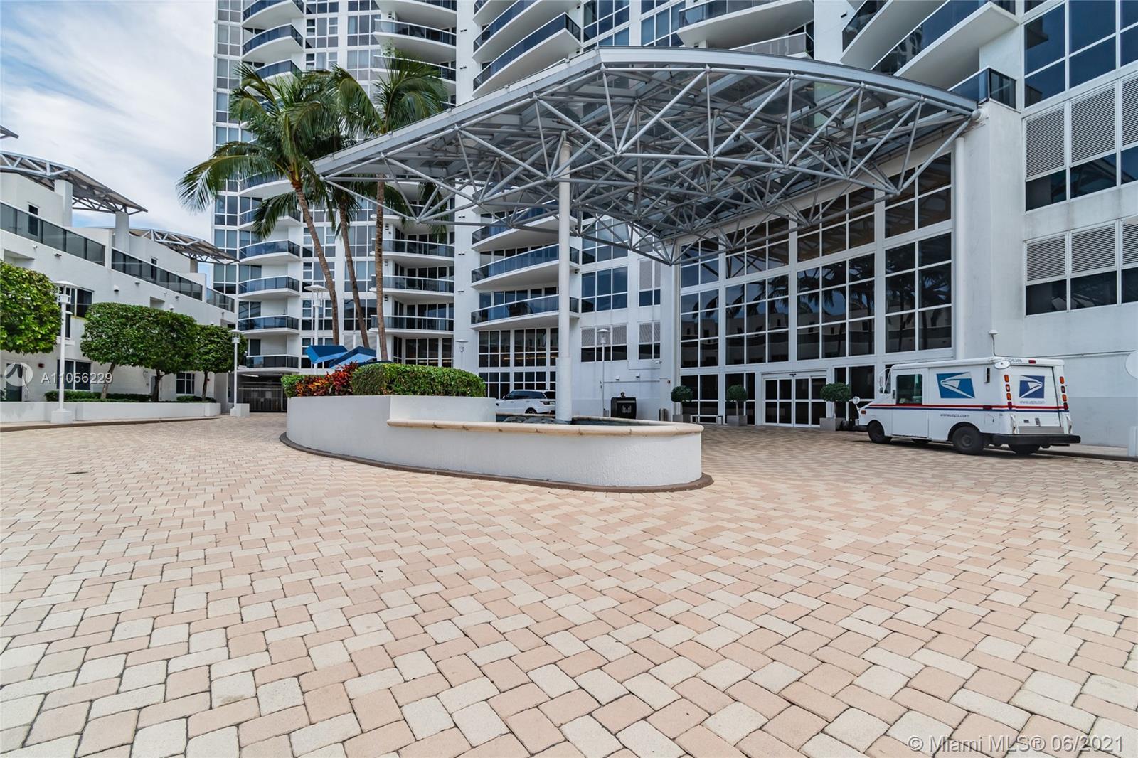 Murano Grande #605 - 400 Alton Rd #605, Miami Beach, FL 33139
