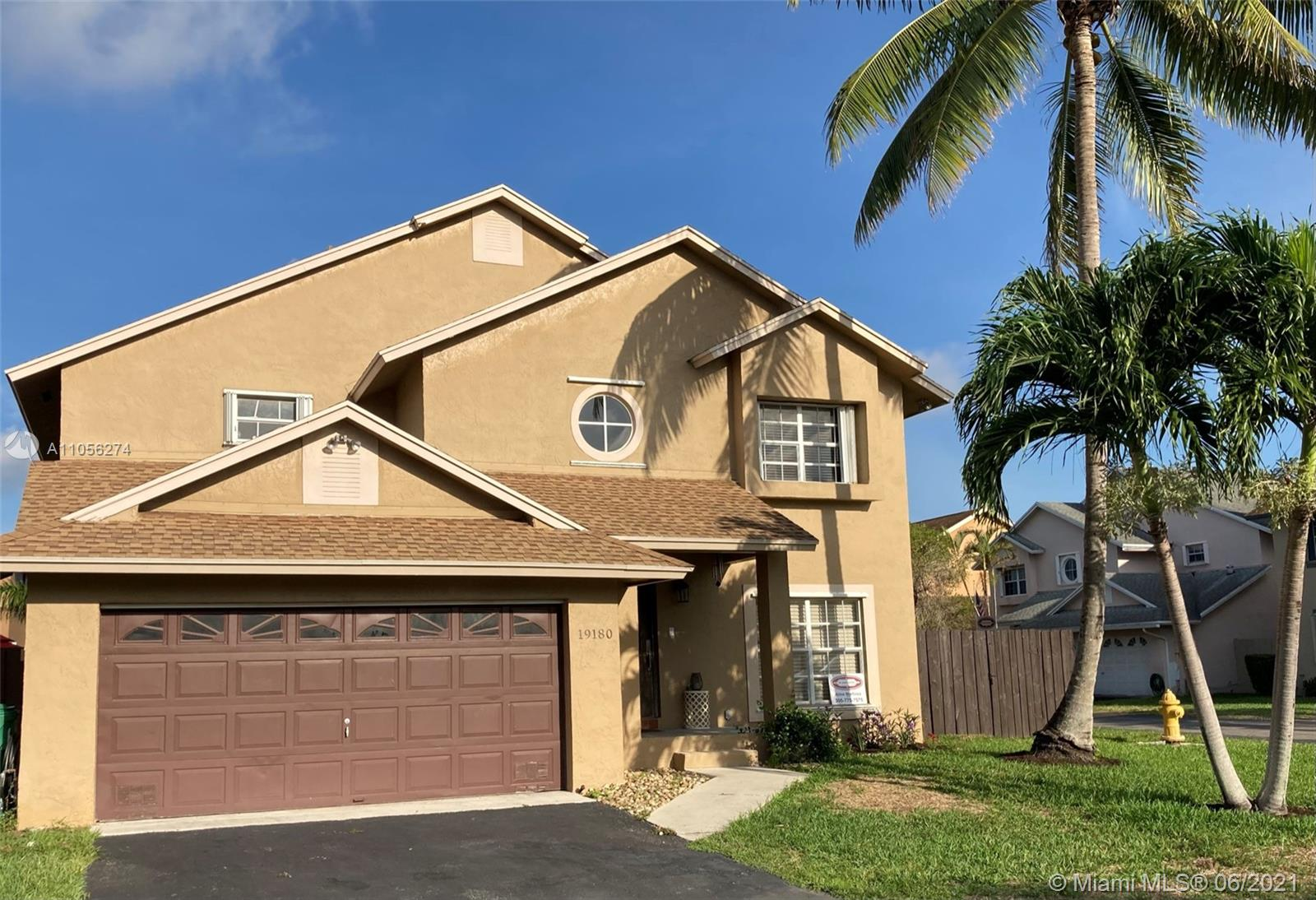 Country Lake Park - 19180 NW 78th Ave, Hialeah, FL 33015