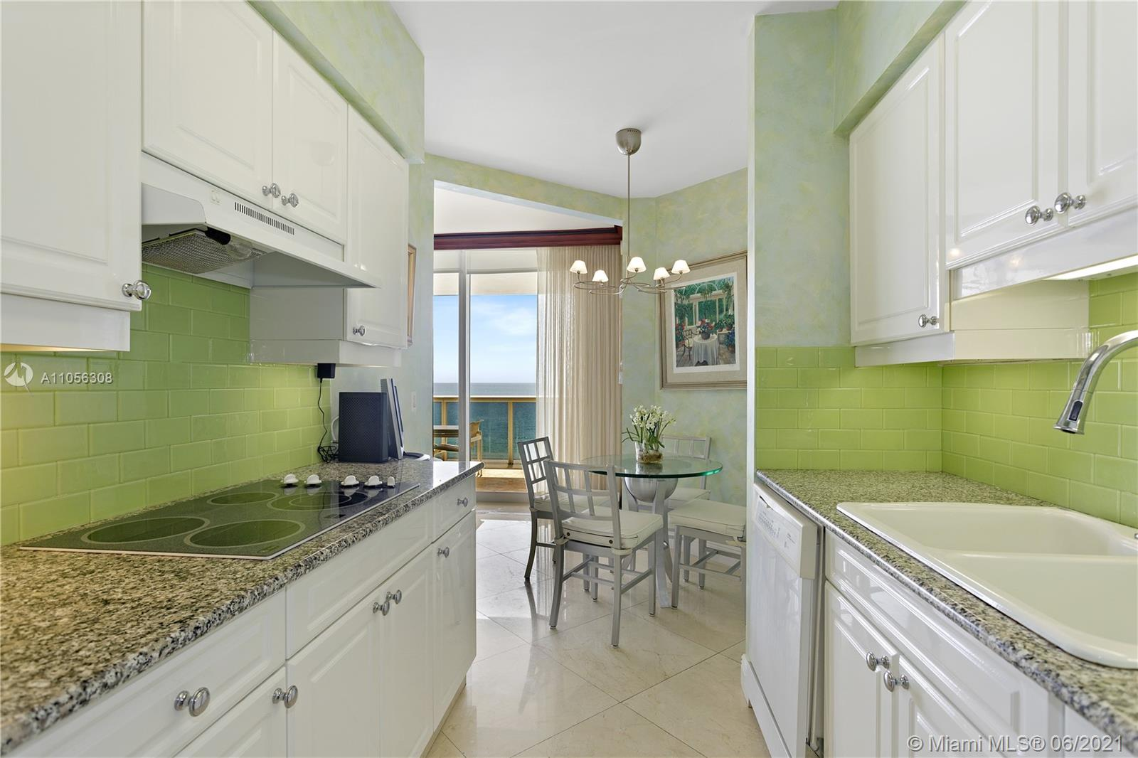 4779 Collins Ave #1002 photo014