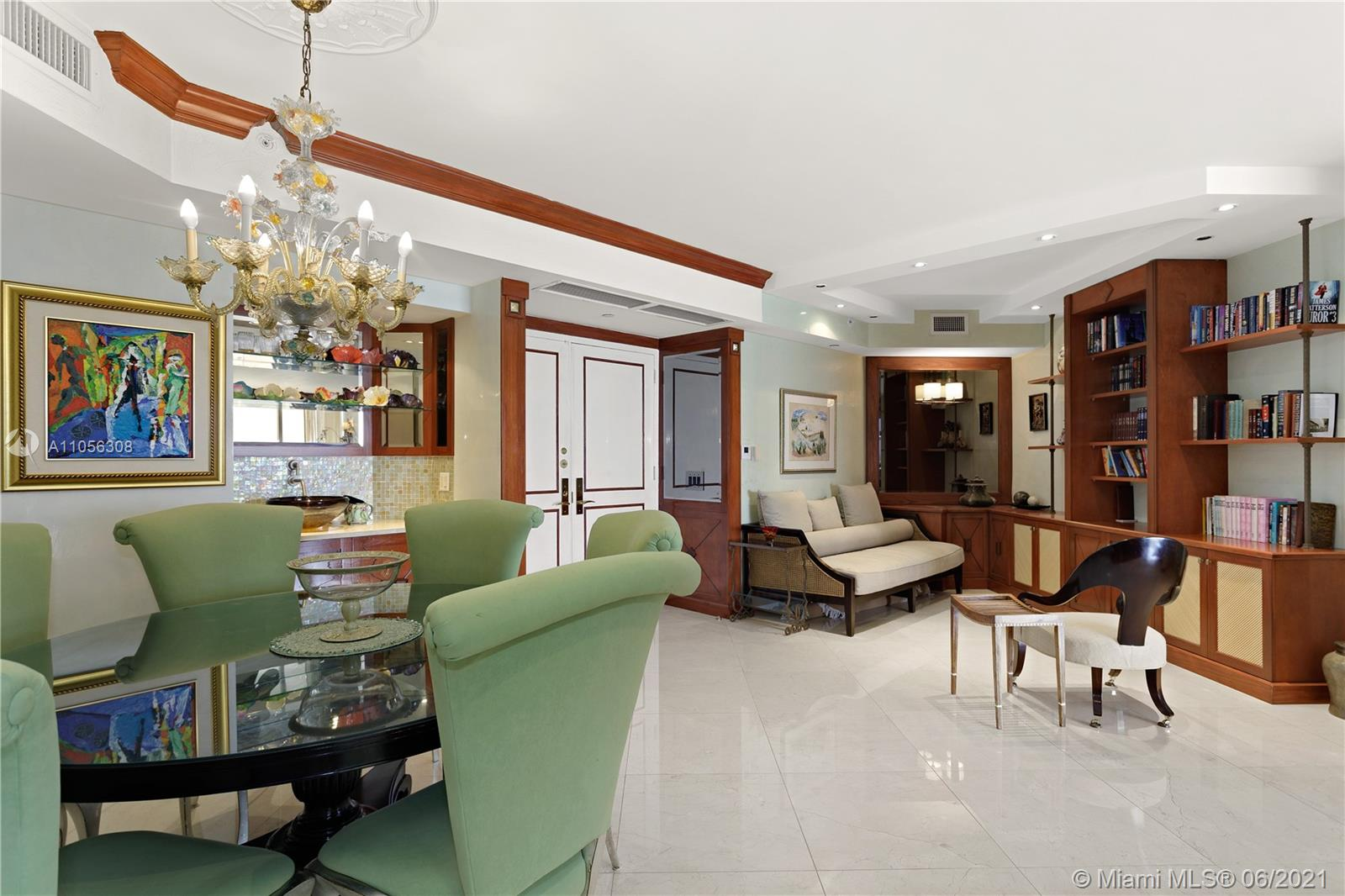 4779 Collins Ave #1002 photo04