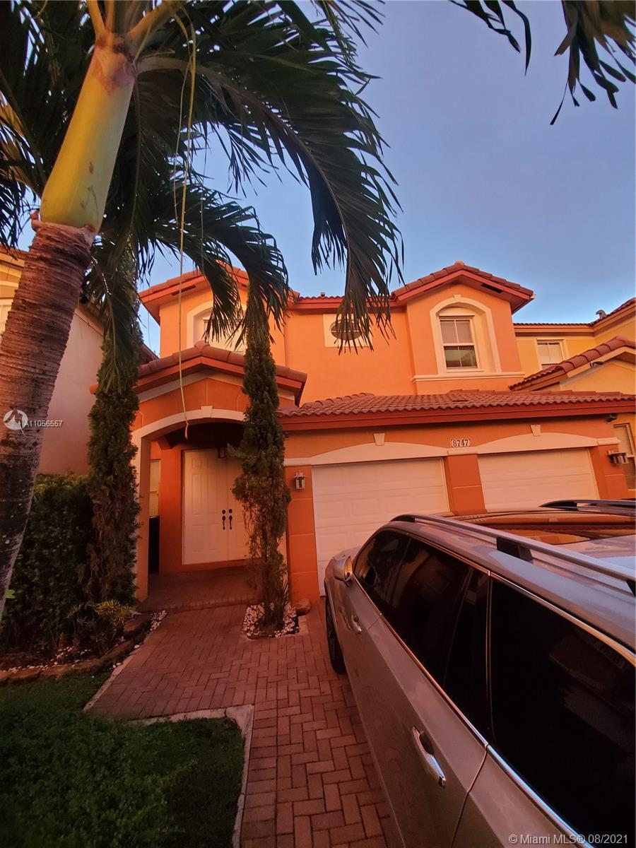 Islands At Doral - 8747 NW 109th Ct, Doral, FL 33178