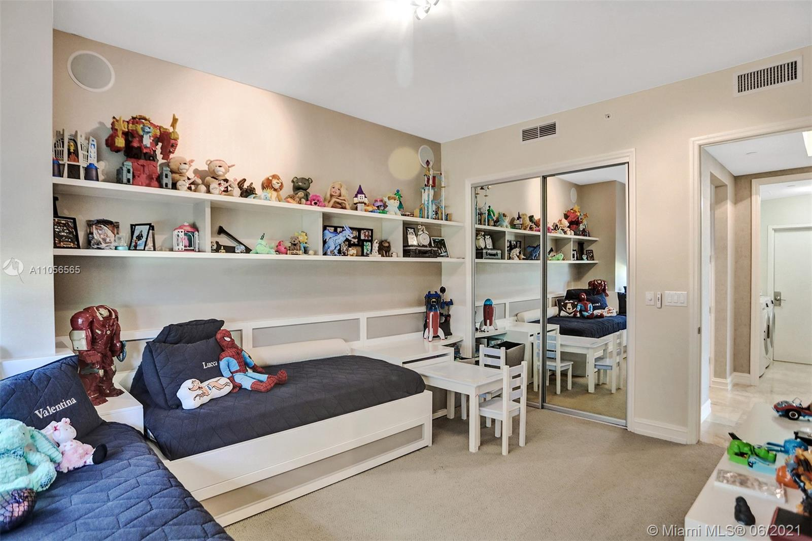 16051 Collins Ave #504 photo027