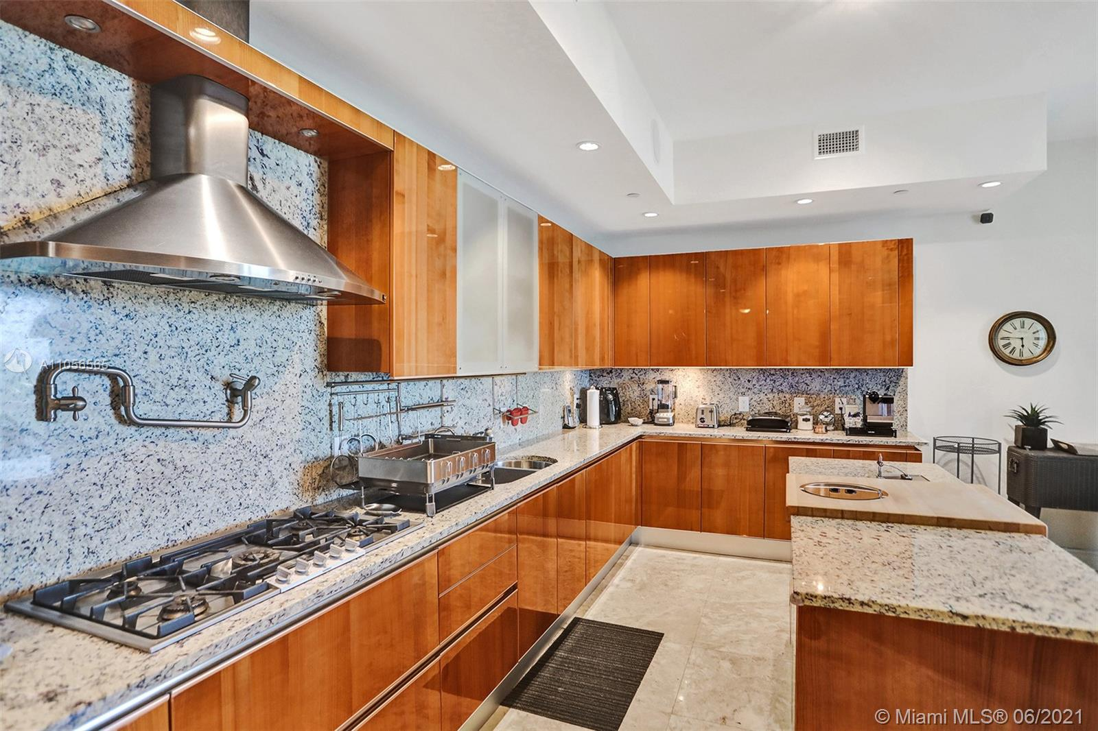 16051 Collins Ave #504 photo043