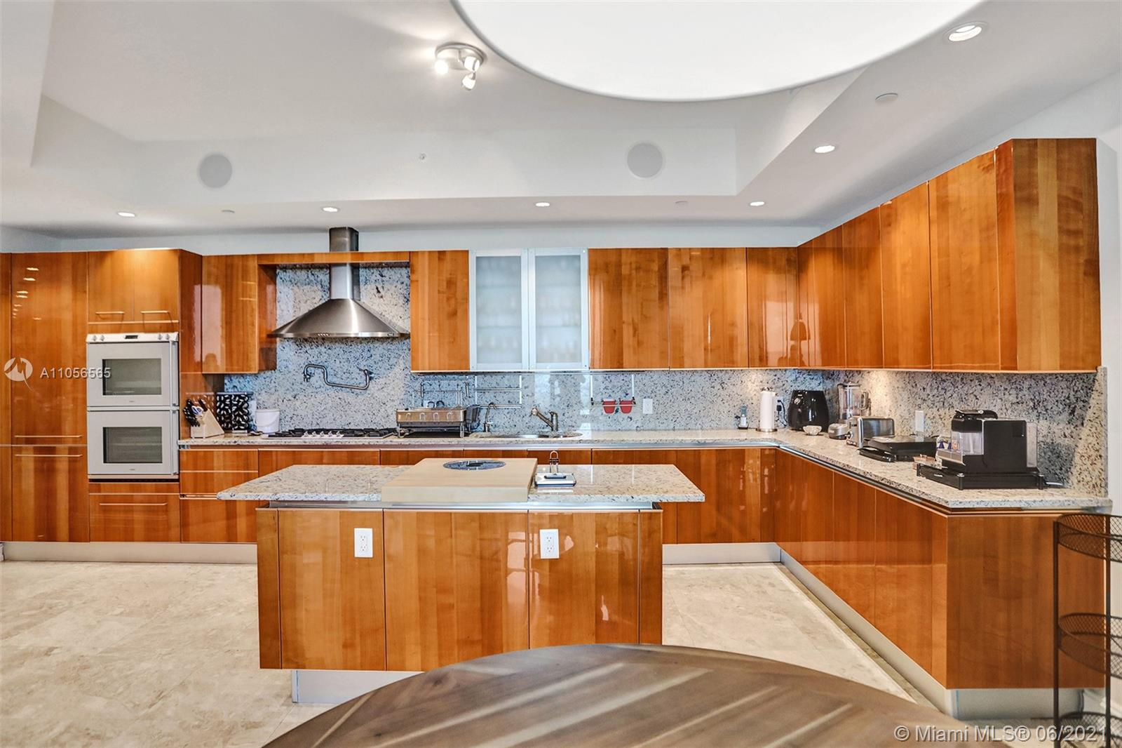 16051 Collins Ave #504 photo045