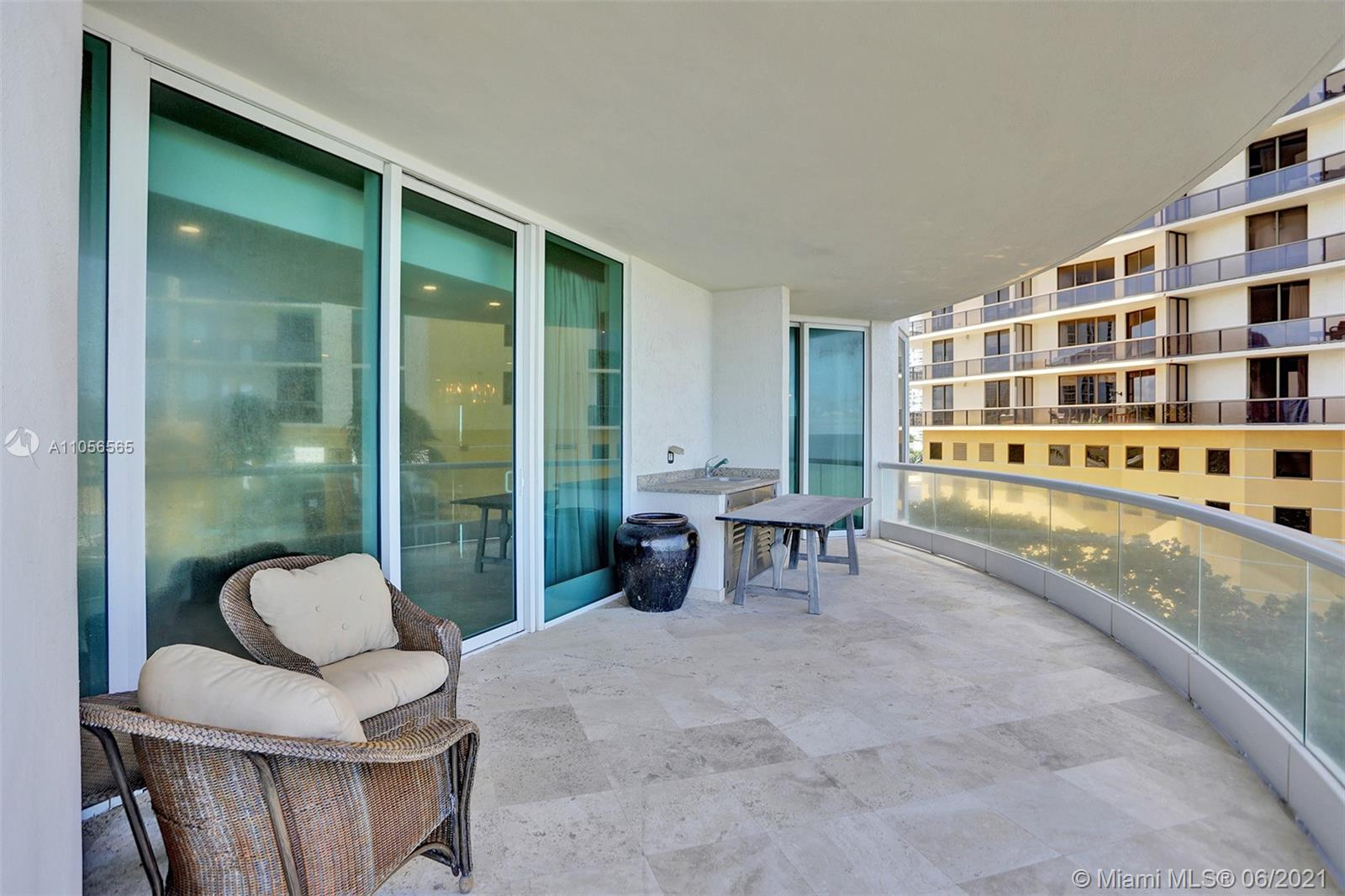 16051 Collins Ave #504 photo048