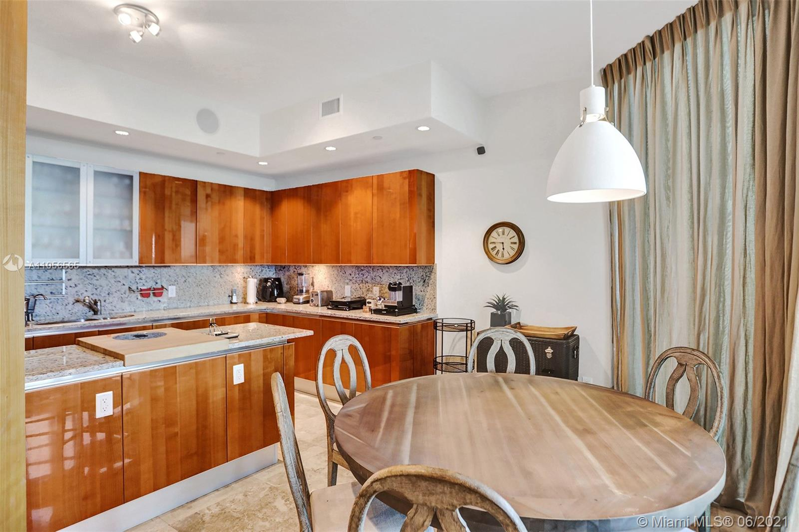 16051 Collins Ave #504 photo044