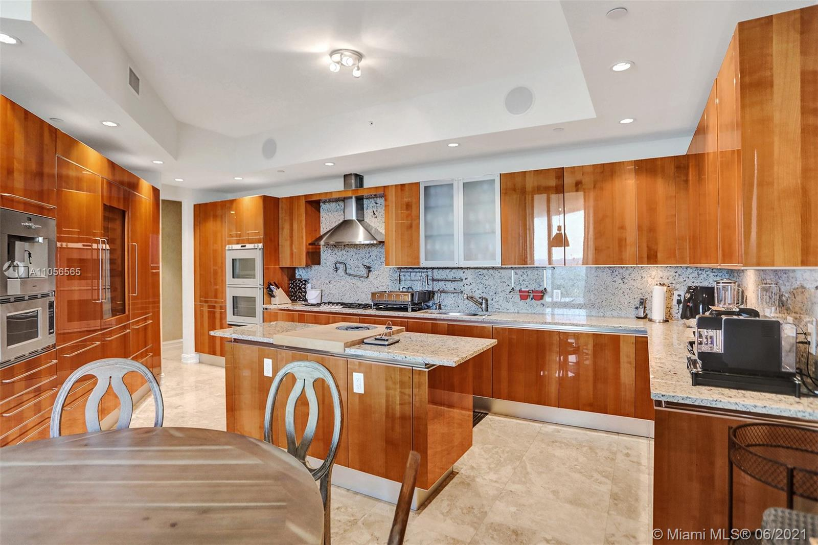 16051 Collins Ave #504 photo040
