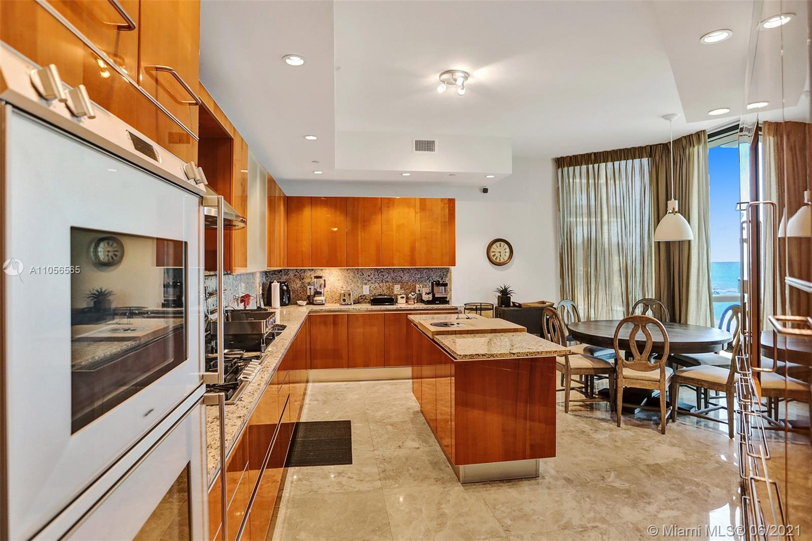 16051 Collins Ave #504 photo039