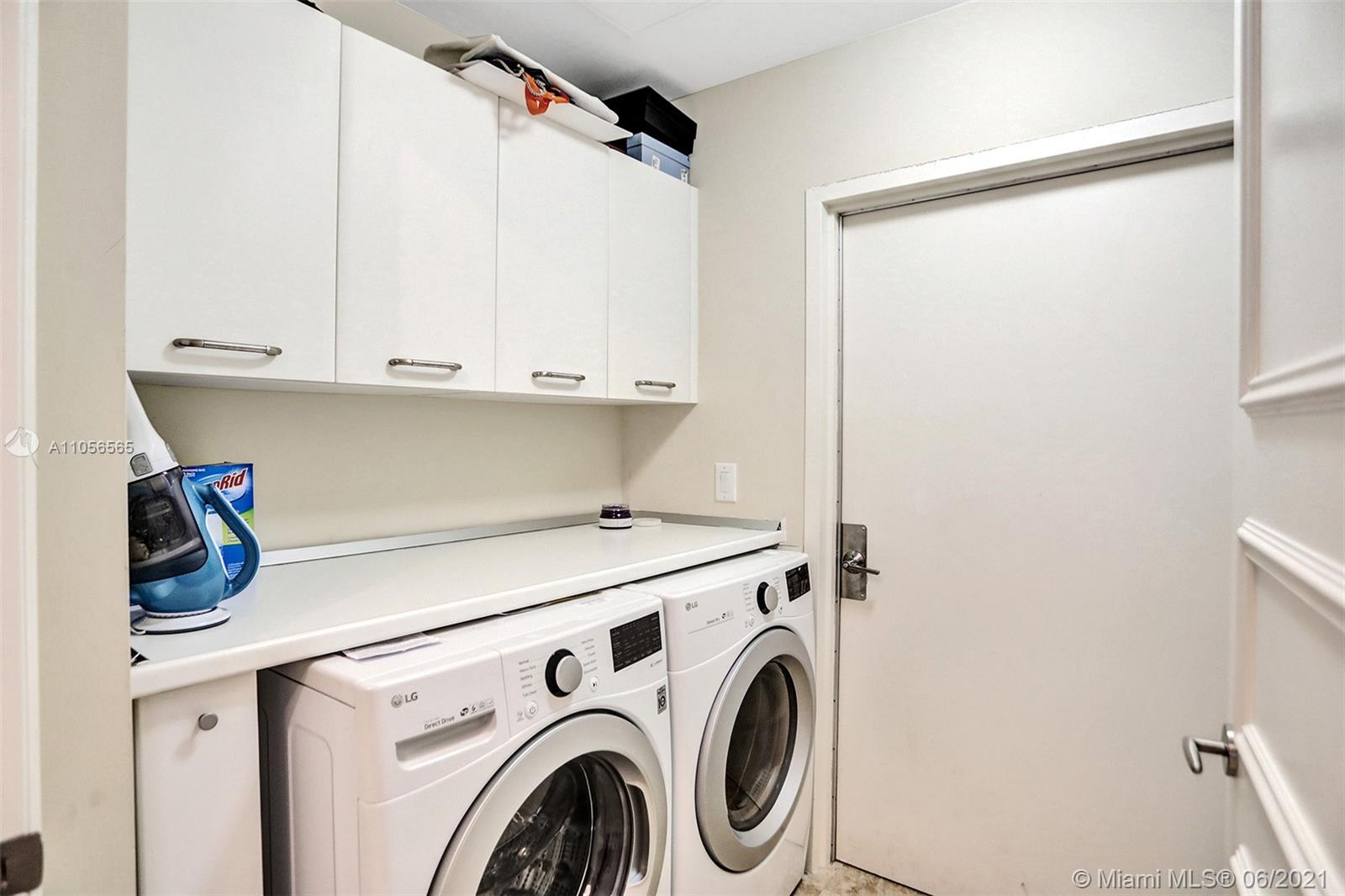 16051 Collins Ave #504 photo025