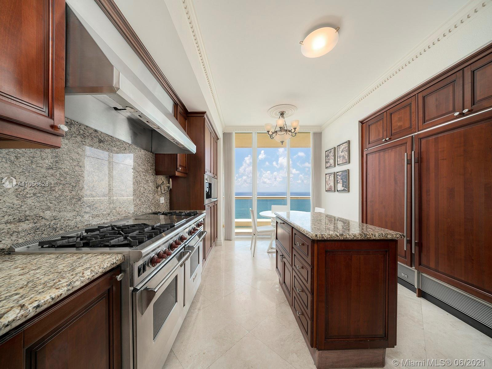 17875 Collins Ave #3703 photo03