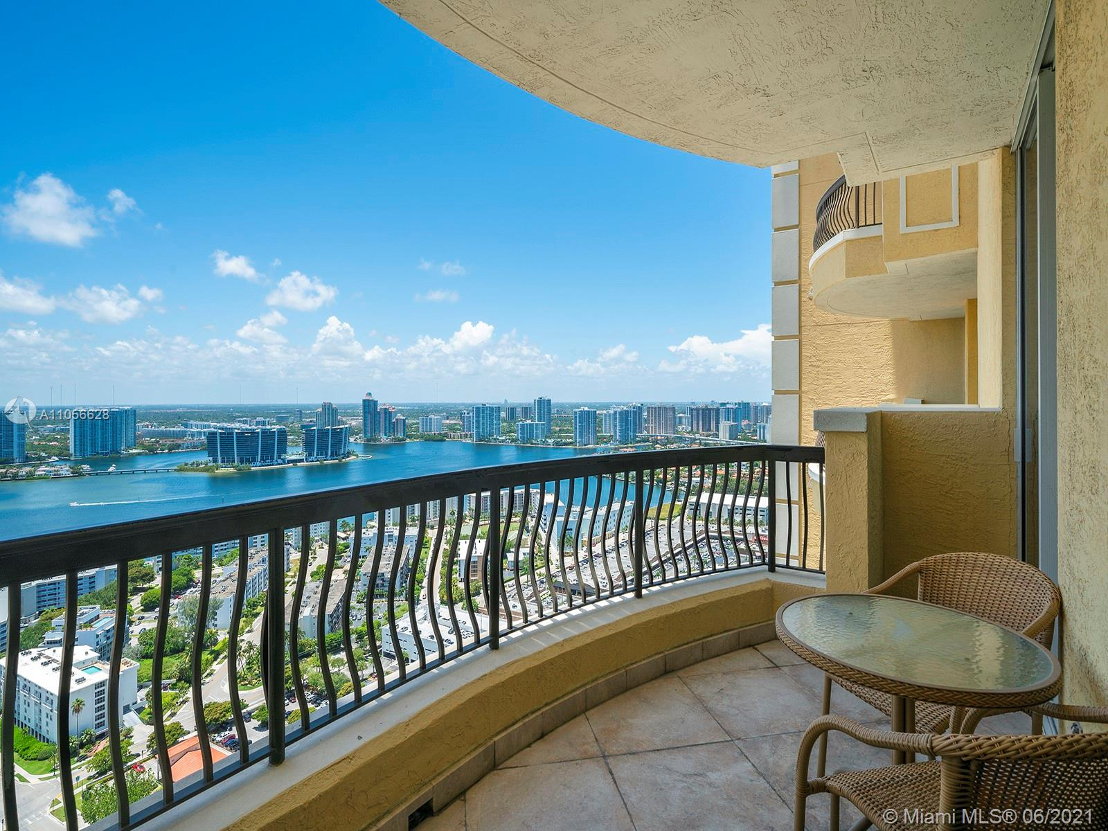 17875 Collins Ave #3703 photo08