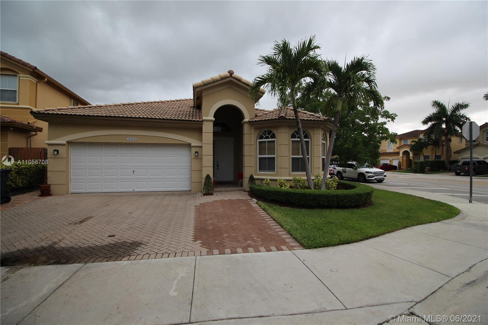 Islands At Doral - 8064 NW 111th Ct, Doral, FL 33178