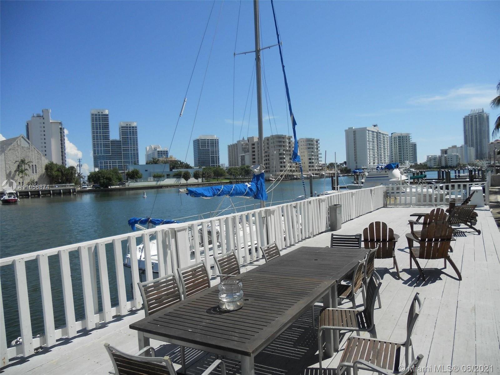 Isle of Normandy #9 - 6865 Bay Dr #9, Miami Beach, FL 33141