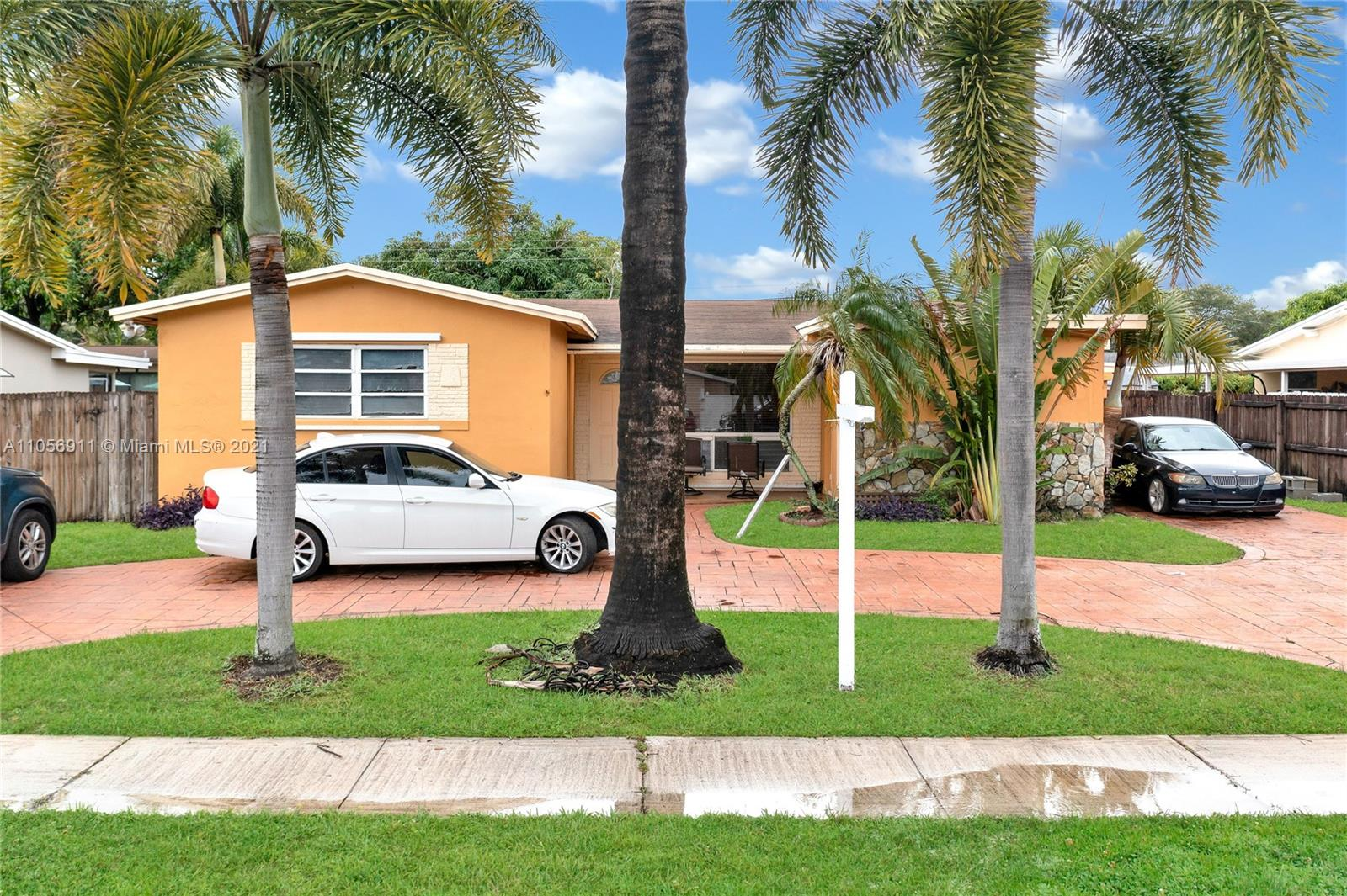 Boulevard Heights - 610 SW 69th Ave, Pembroke Pines, FL 33023