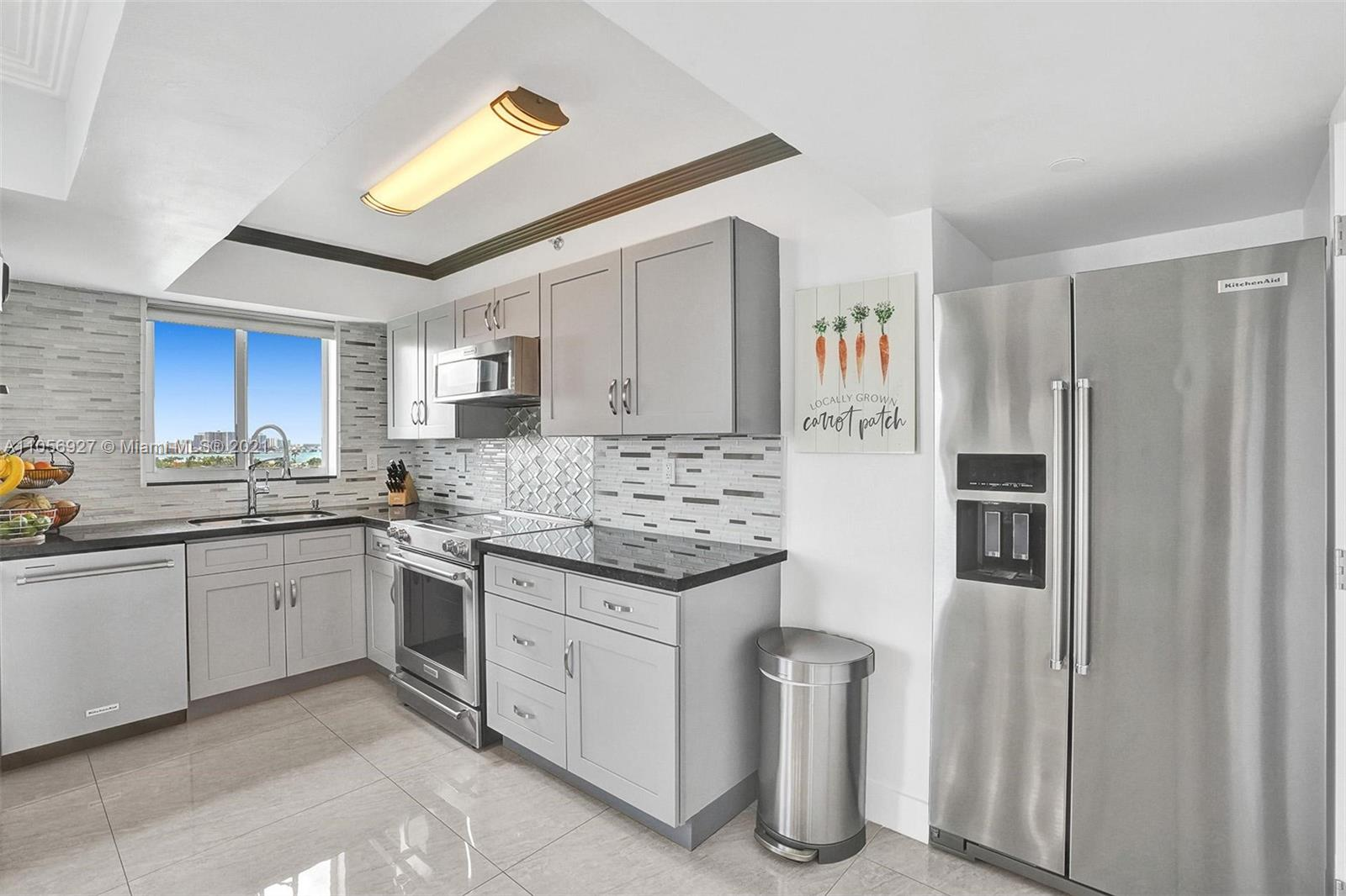 5900 Collins Ave #1201 photo06