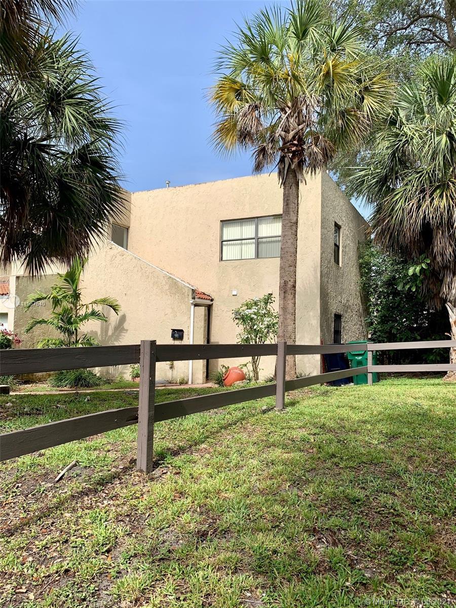 Snapper Creek - 7102 SW 113th Ave, Miami, FL 33173