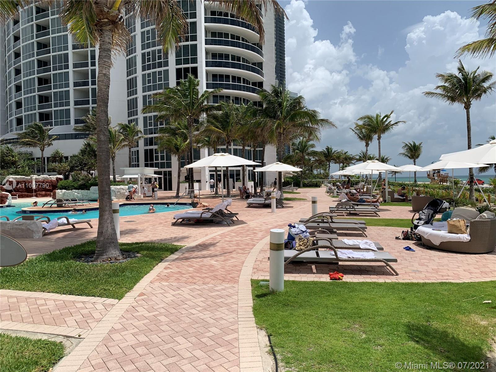18101 Collins Ave #606 photo023