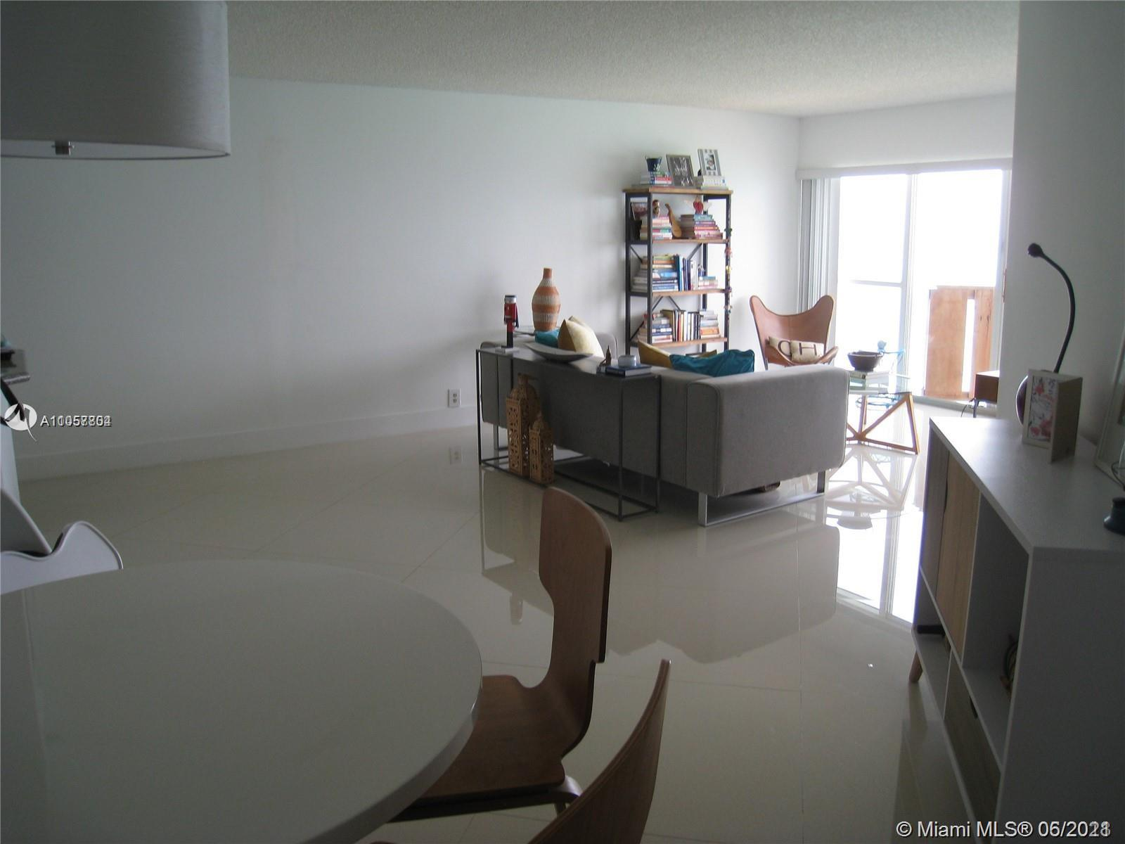 6767 Collins Ave #1810 photo07