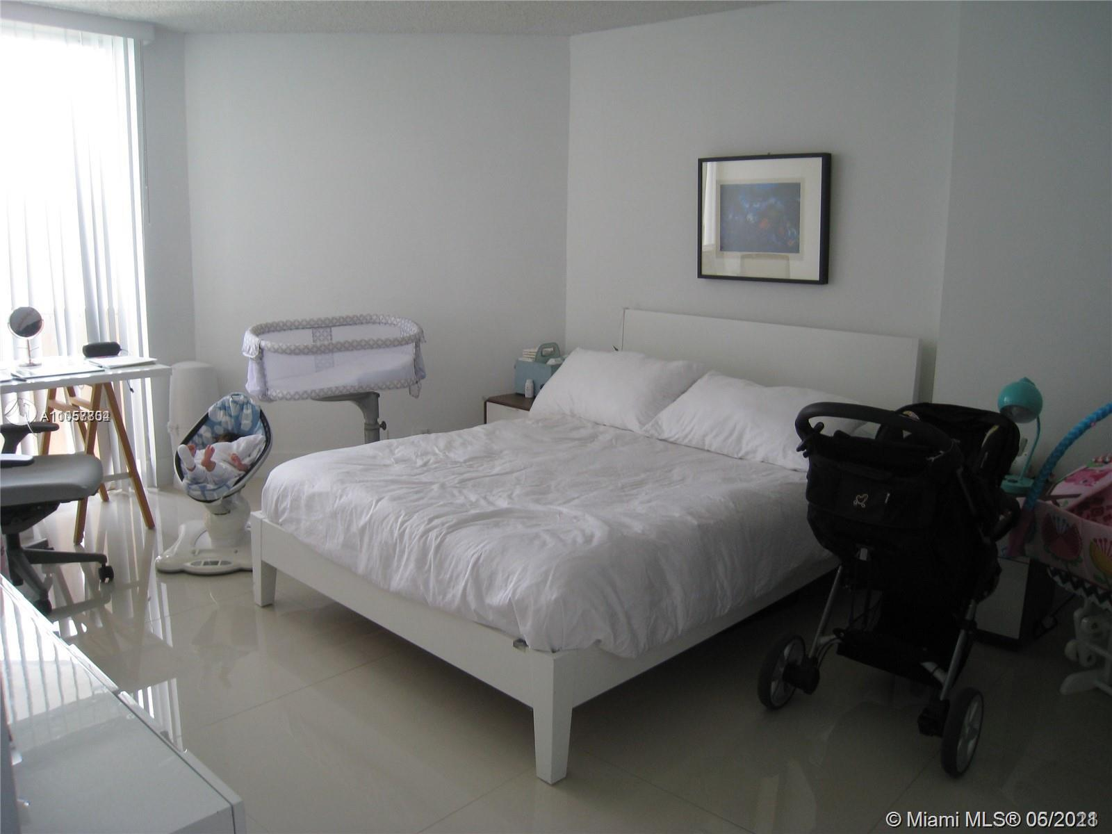 6767 Collins Ave #1810 photo09