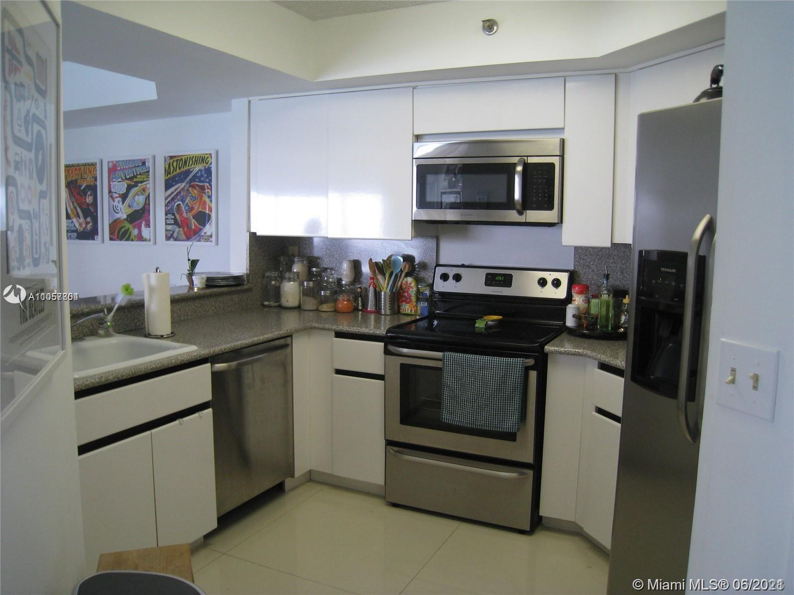 6767 Collins Ave #1810 photo08