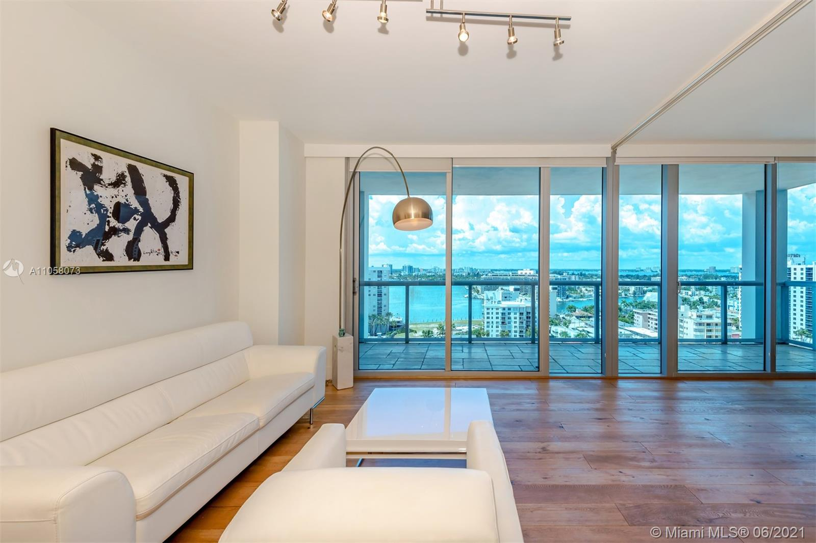 6799 Collins Ave #1506 photo02