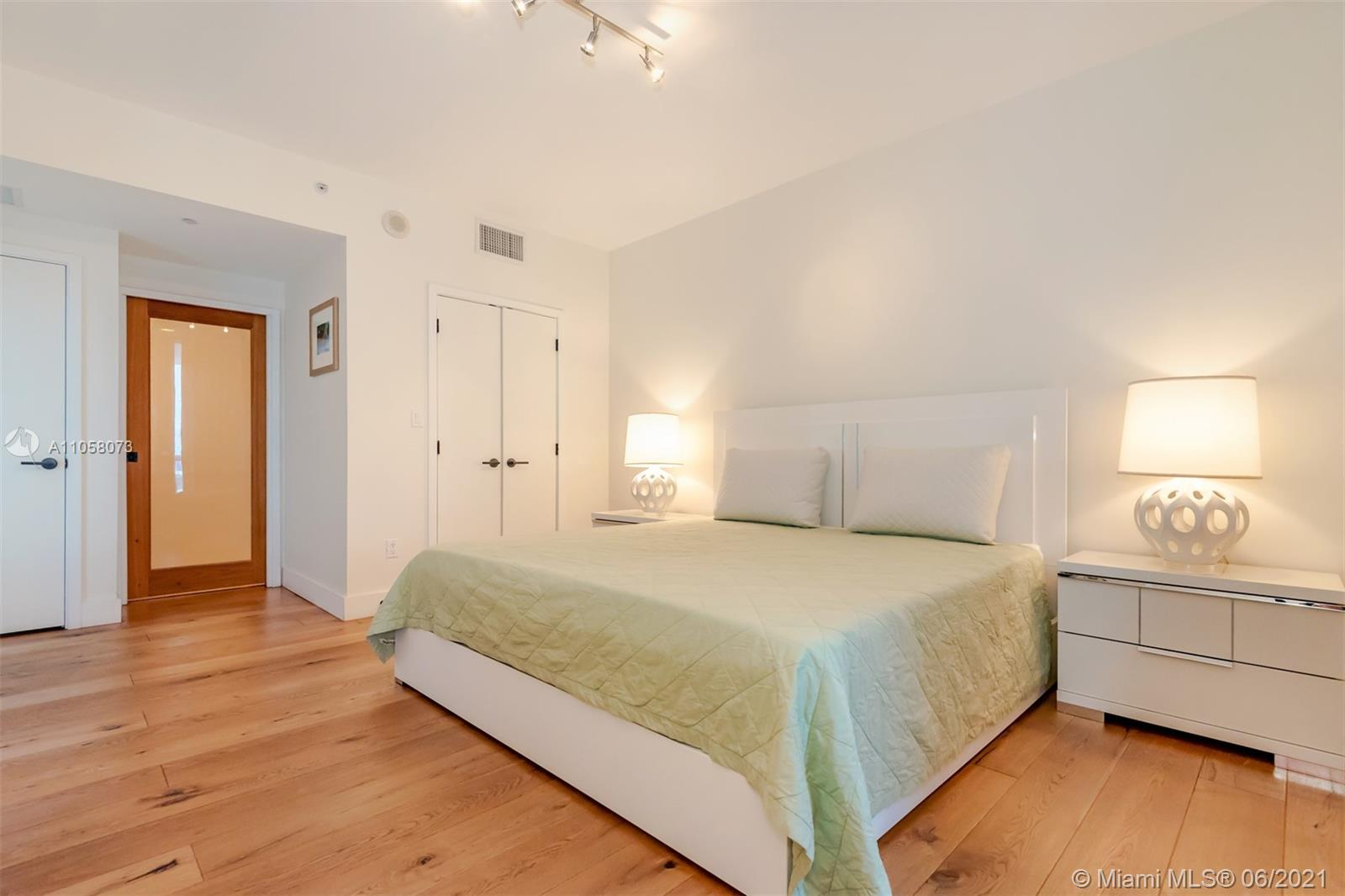 6799 Collins Ave #1506 photo016