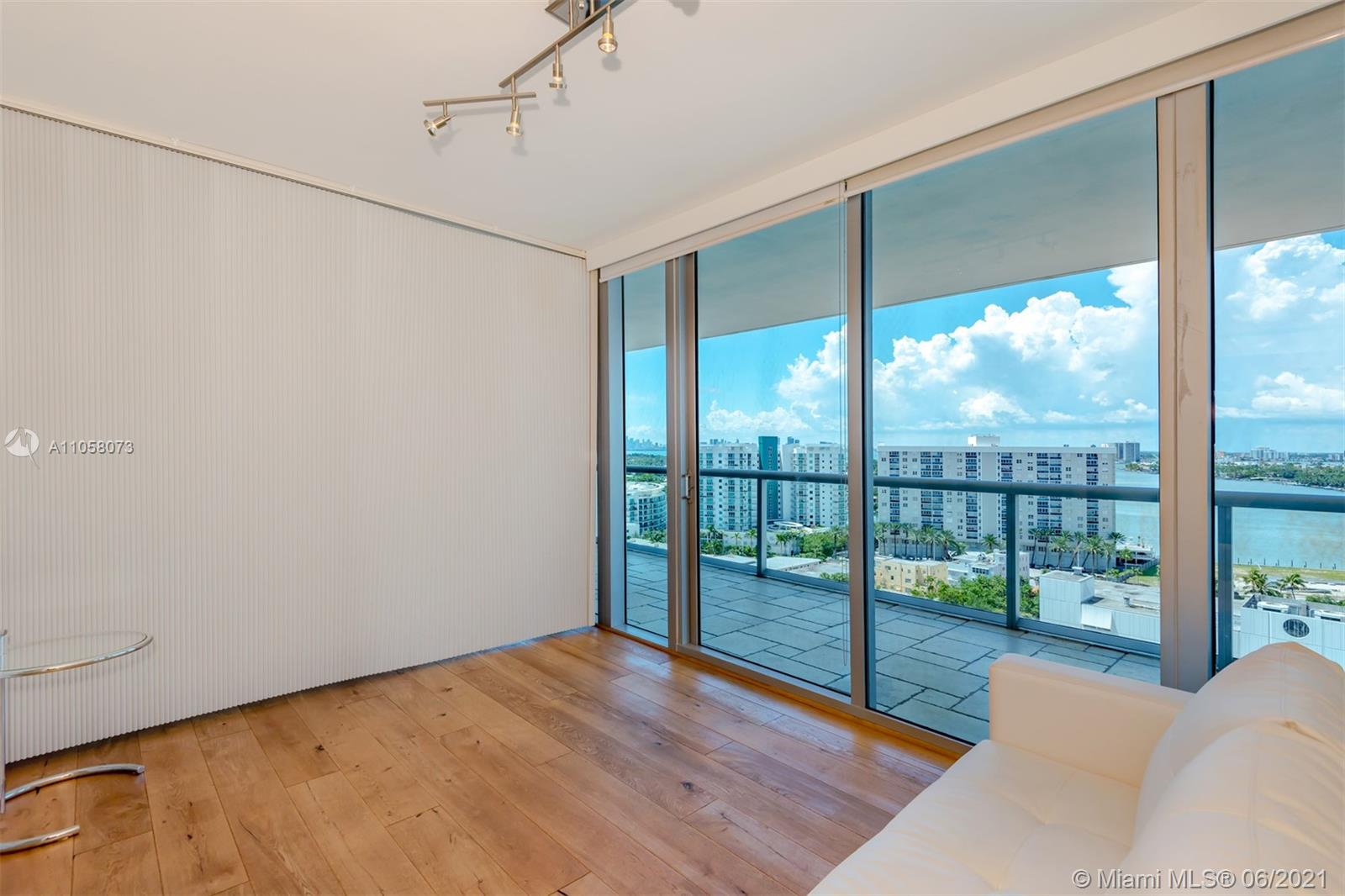 6799 Collins Ave #1506 photo012