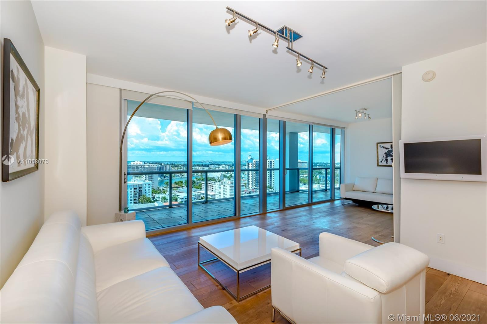 6799 Collins Ave #1506 photo01