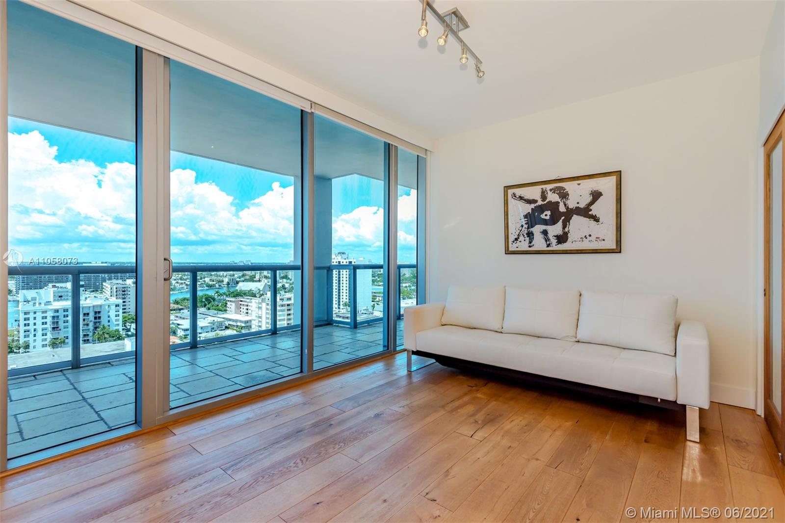 6799 Collins Ave #1506 photo09