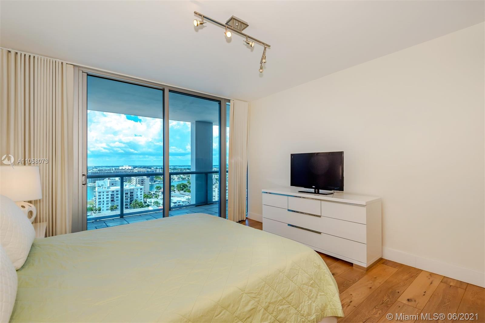 6799 Collins Ave #1506 photo015