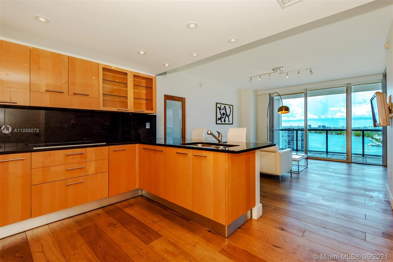 6799 Collins Ave #1506 photo08