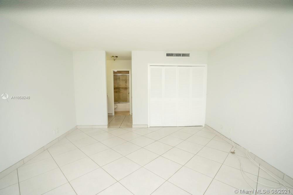 9225 Collins Ave #1110 photo014