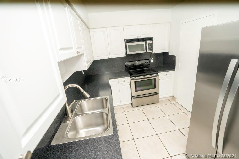 9225 Collins Ave #1110 photo08