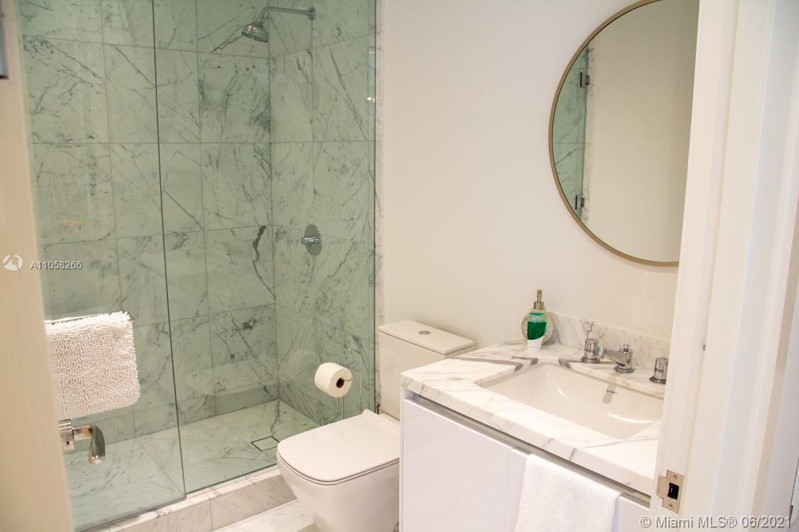 16901 Collins Ave #904 photo015