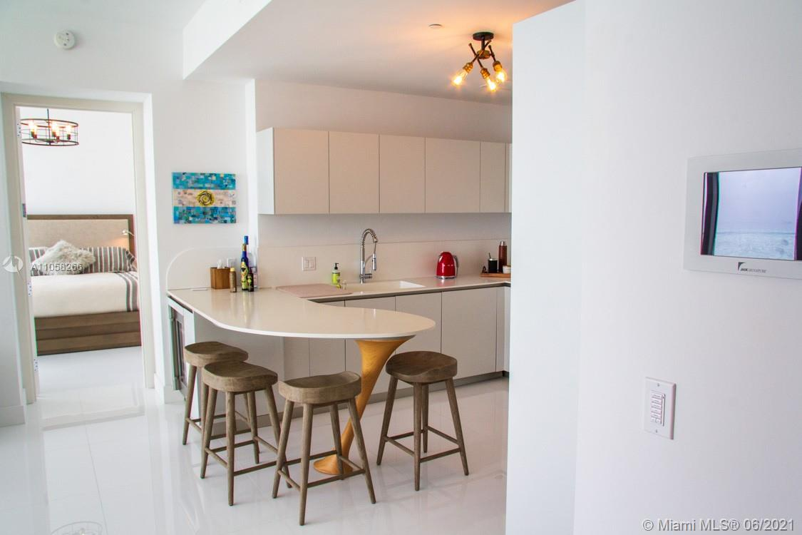 16901 Collins Ave #904 photo011