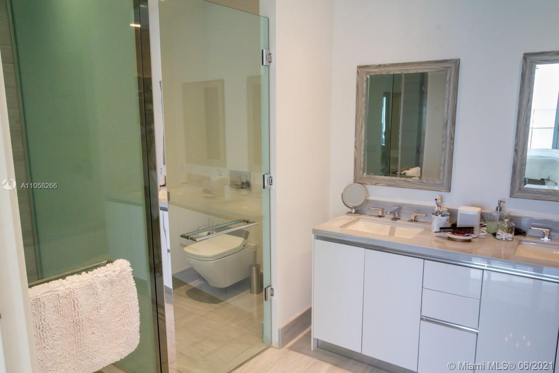 16901 Collins Ave #904 photo019