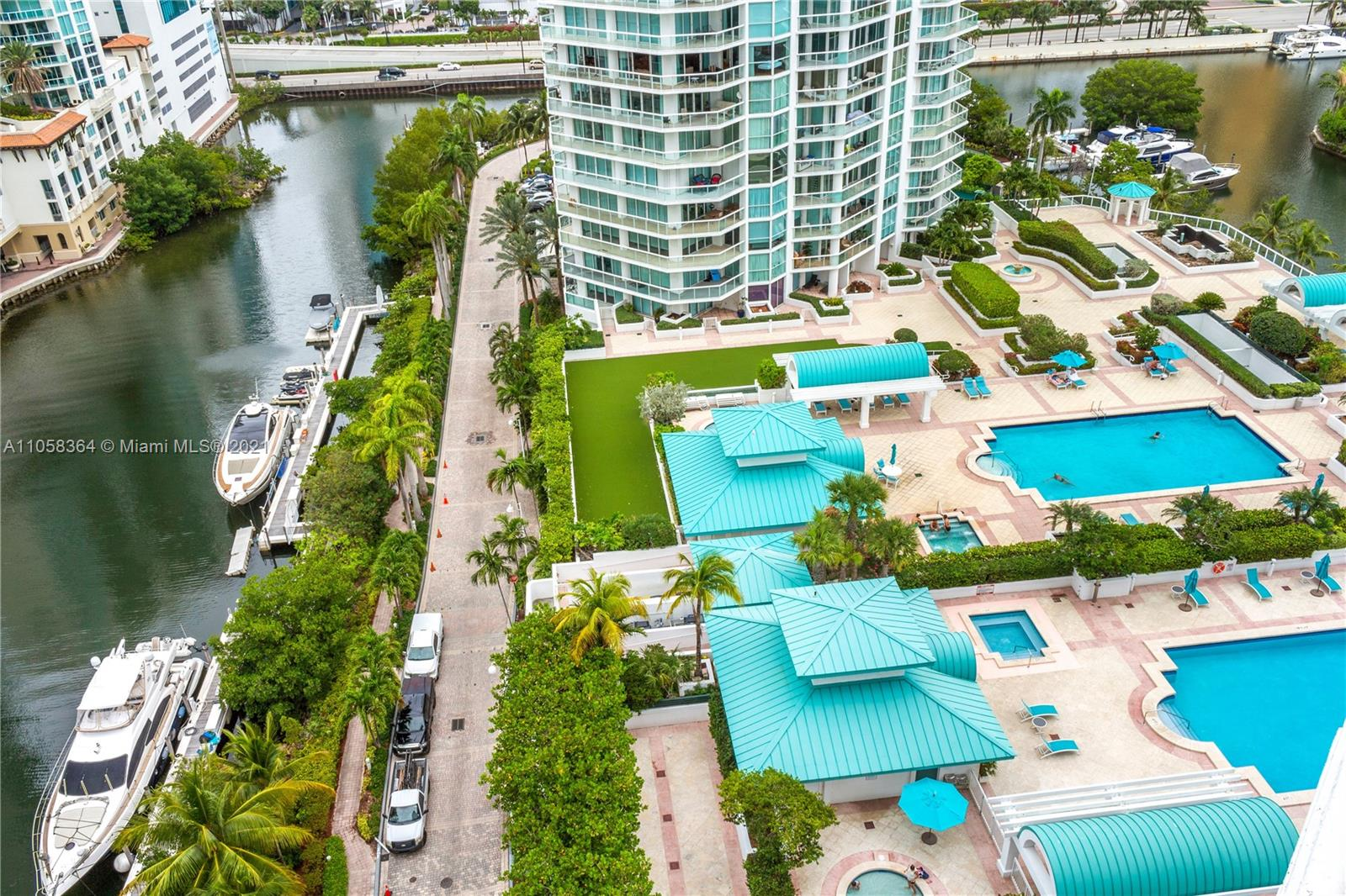 16500 Collins Ave #1751 photo028