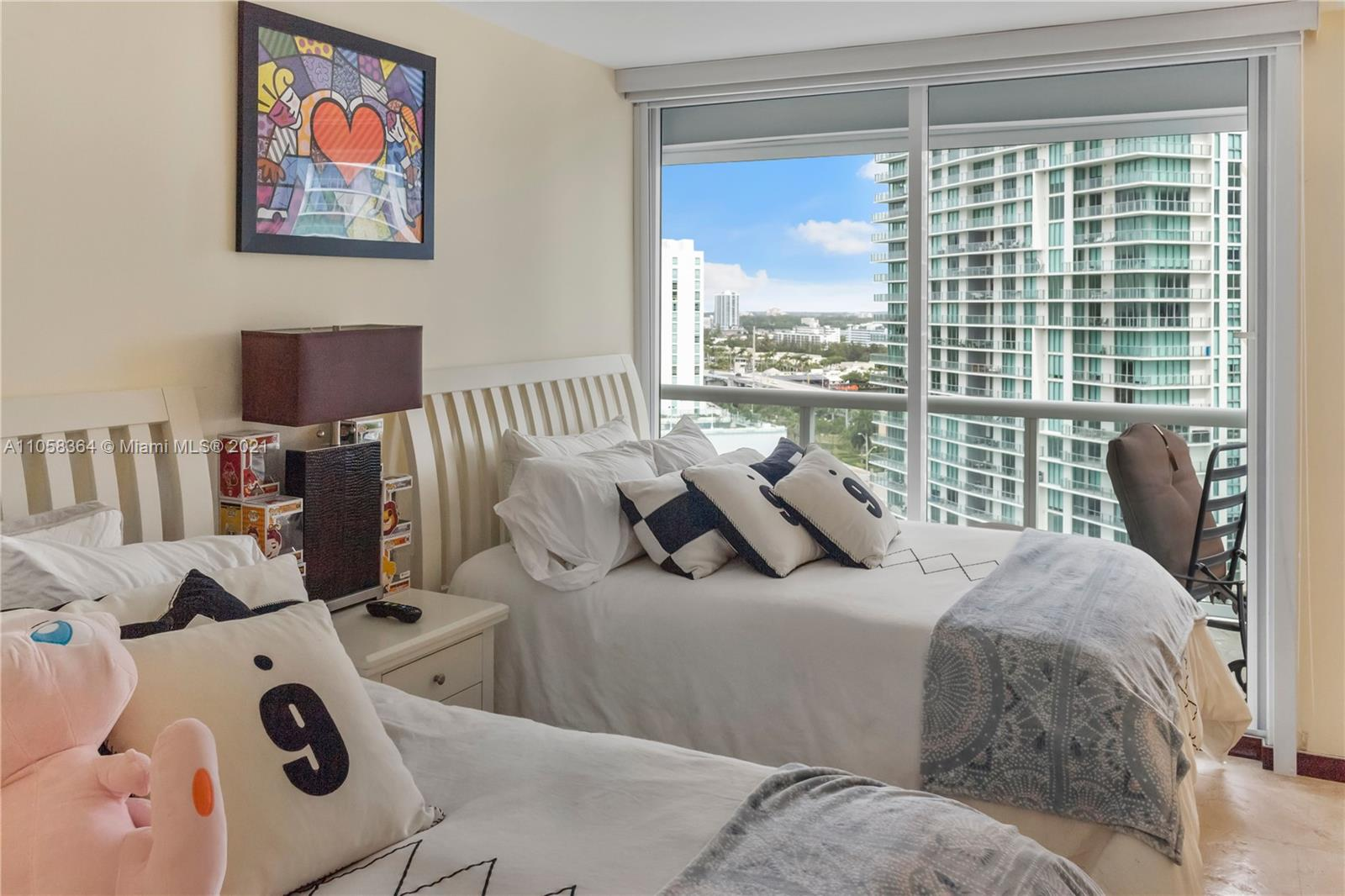 16500 Collins Ave #1751 photo015