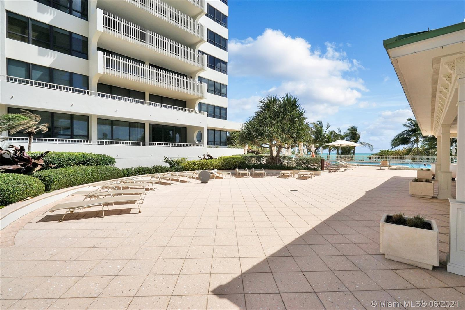 10205 Collins Ave #104 photo026
